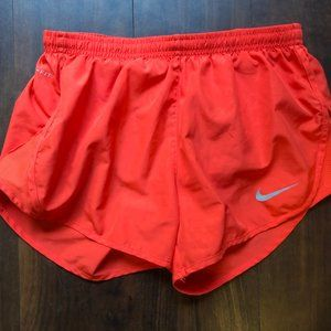 Nike Women's Dri-FIT Tempo Running Shorts (S)